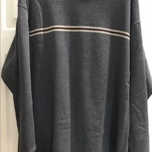 IZOD Mens XL Gray Round Neck PullOver Sweater